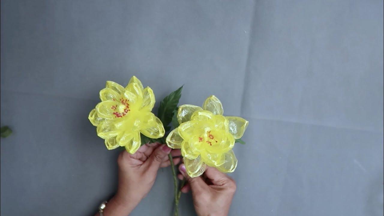 ดอกไม้เชือกฟาง