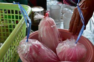 เชือกฟางสี ใช้มัดถุงน้ำ เหมาะกับร้านขายน้ำ